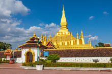 Pha That Luang Temple - The Go...