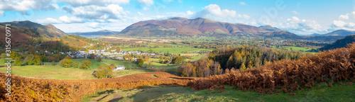 Fototapeta A panoramic view towards Braithwaite village from Barrow Fell in the Lake District,Cumbria,UK. obraz