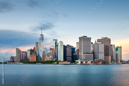New York, New York, USA downtown city skyline at dusk on the harbor Canvas-taulu
