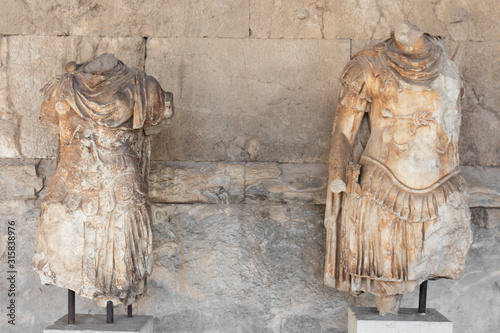 Cuadros en Lienzo Ancient greek statues of the personifications of Odyssey greece