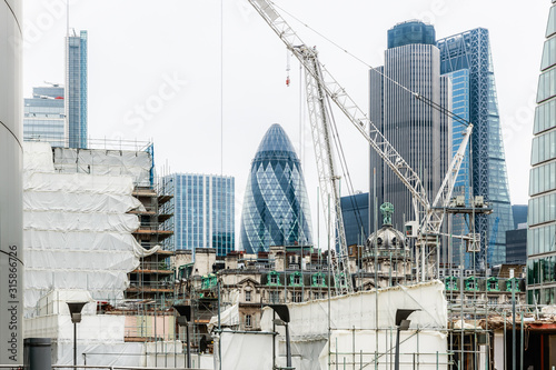 Valokuvatapetti London financial district surrounded by construction sites