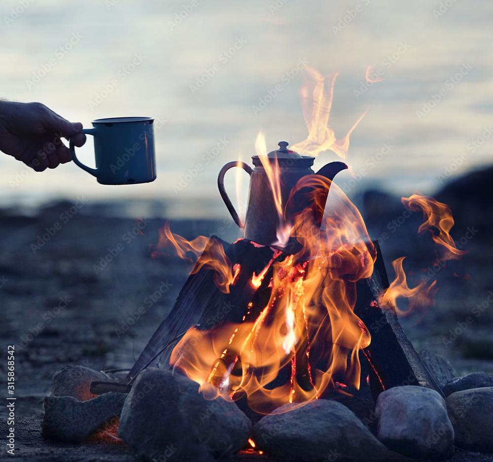 Fototapeta romantische Stimmung am Lagerfeuer