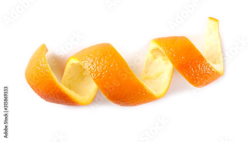 Fotomural Swirly orange peel isolated on white background, top view