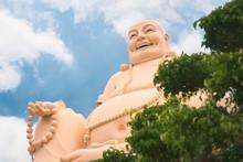 Laughing Buddha Statue At Vinh...