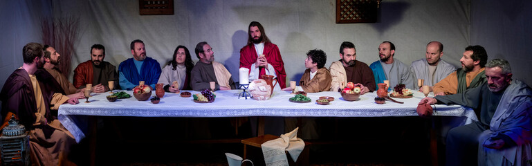 Representation of the last supper of Jesus Christ, with real characters