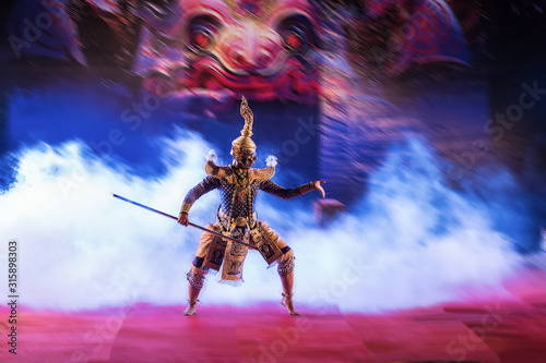 Obraz na plátně STRICTLY KHON DANCING : PERFORMERS of one of Thailand's most highly regarded dan