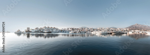 Fotografie, Obraz Marbella Landscape (Puerto Banus)