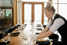 Waitress In White Gloves Setti...