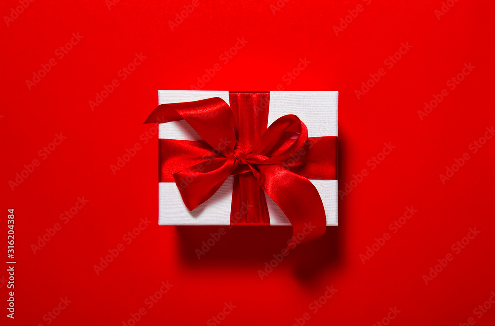 Fototapeta Gift box red ribbon bow card