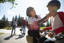 Mother Fastening Skateboard He...