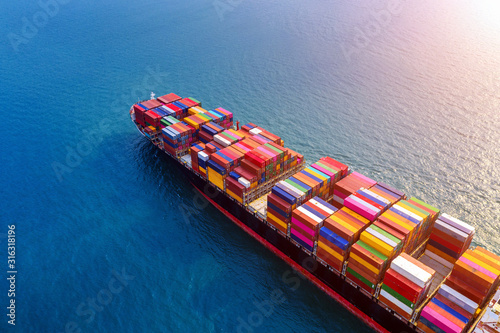 Fotomural Aerial view of container cargo ship in sea.