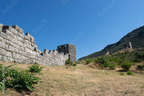 Ruins of the Arcadian gate and walls near ancient Messene(Messini) Fototapeta