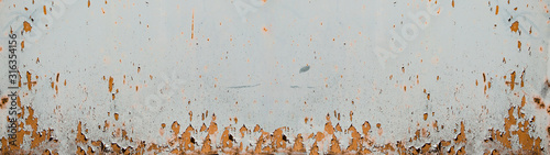 Fotografía rusty bright white metal wall texture, with space for text, background panorama