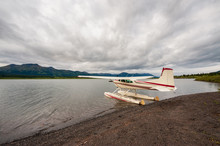 Float Plane  At The Bank Of Tu...