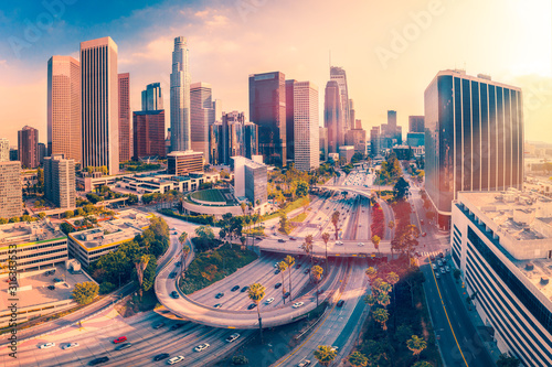 Fototapety Los Angeles  aerial-view-sunrise-in-los-angeles-city-california