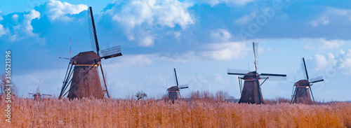 Obraz Windmill holland UNESCO World Heritage Kinderdijk - fototapety do salonu