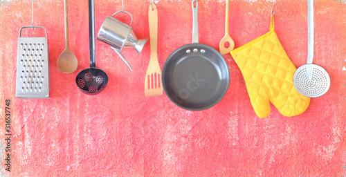 Fotografía Kitchen utensils for commercial kitchen, restaurant,cooking,culinary