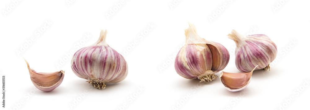 Fototapeta garlic isolated on white background