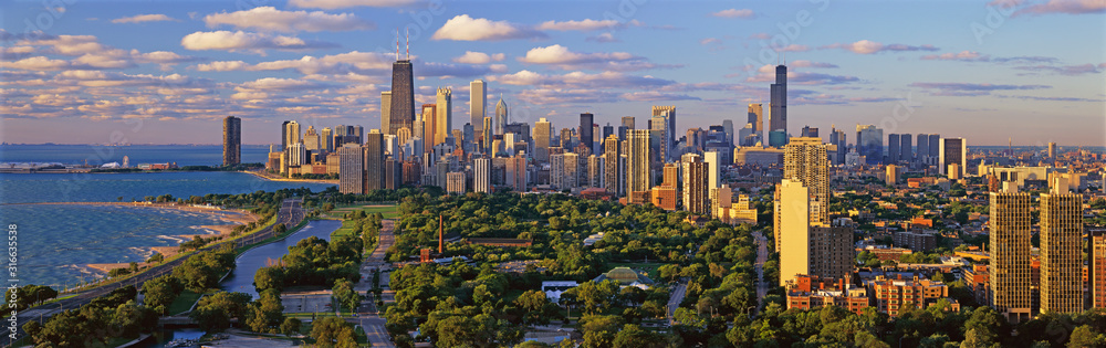 Fototapeta Chicago Skyline, Chicago, Illinois shows amazing architecture in panoramic format