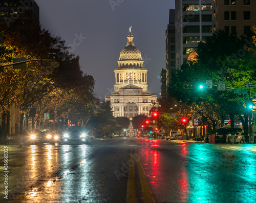 Photo Low Angle View of The Austin Capitol In the Early Morning After Rain Storm