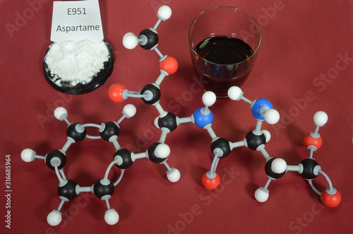 Photo Molecule model of Aspartame a controversial artificial sweetener with associated samples