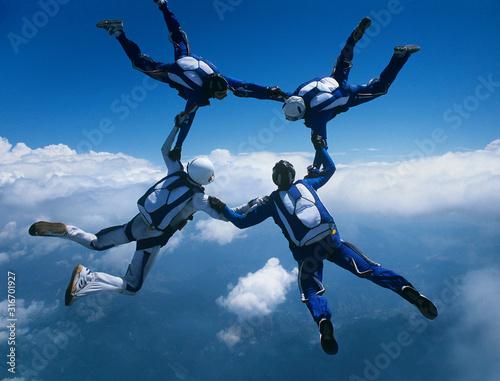 Skydivers diving in tandeem Fototapeta