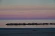 La luna al tramonto sul mare