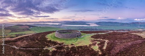 Fotografie, Obraz Grianan of Aileach ring fort, Donegal - Ireland