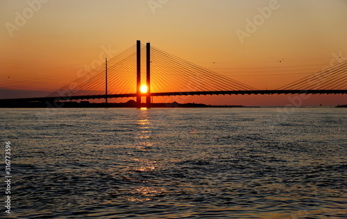 Photo Beautiful view of sunrise near Indian River Bridge, Bethany Beach, Delaware, U