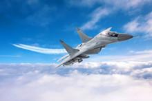 Military Airplane Speed Flies ...