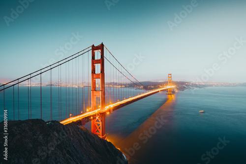 Golden Gate Bridge at twilight, San Francisco, California, USA Tablou Canvas