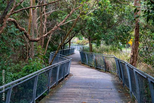 Foto Handrail Wooden Walking Track Byron Bay up to Cape Byron Lighthouse, New South Wales Australia