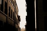 Fototapeta Uliczki - narrow street in istanbul