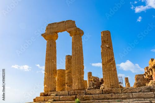 Fotografija Temple of Juno (Tempio di Giunone) Hera