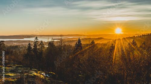 Fototapeta Zachód słońca nad Oslo stolicą Norwegii widok na Oslofjord obraz