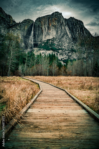 Yosemite Valley WaterFall Road - 316873123
