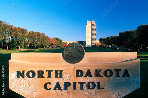 Fotografija State Capitol of North Dakota, Bismarck