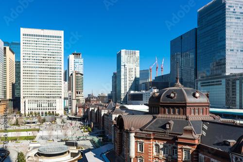 Photo (東京都ー都市風景)東京駅と駅前広場の風景3