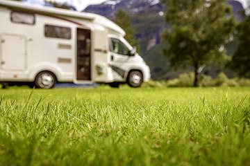 Rodzinne wakacje RV, wakacyjna podróż w kamperze