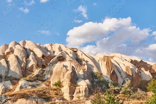 Photo Rock formations in Rose valley Capadoccia in Goreme, Turkey