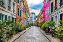 Cremieux Street (Rue Cremieux)...