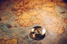 Map With Compass. Simple Navig...