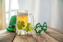 St. Patricks Day Green Shamroc...
