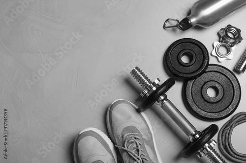 Fototapeta Gym equipment on light grey background, flat lay obraz na płótnie