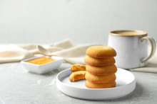 Tasty Shortbread Cookies With ...