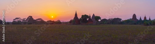 Photo Evening walk in Old Bagan, Myanmar