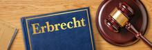 Richterhammer Mit Gesetzbuch -...