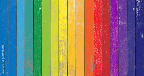 Photo fond bois aux couleurs de l'arc-en-ciel