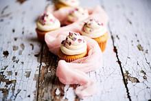 Vanilla Cupcakes With Sweethea...