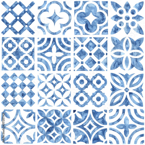 tile-seamless-watercolor-pattern-blue-and-white-patchwork-style-ornament-hand-made-paint